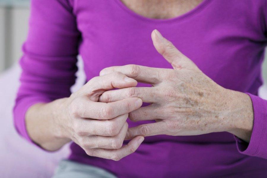 liga iš lotynų sąnarių po tramatic artrito pirštas pirštu