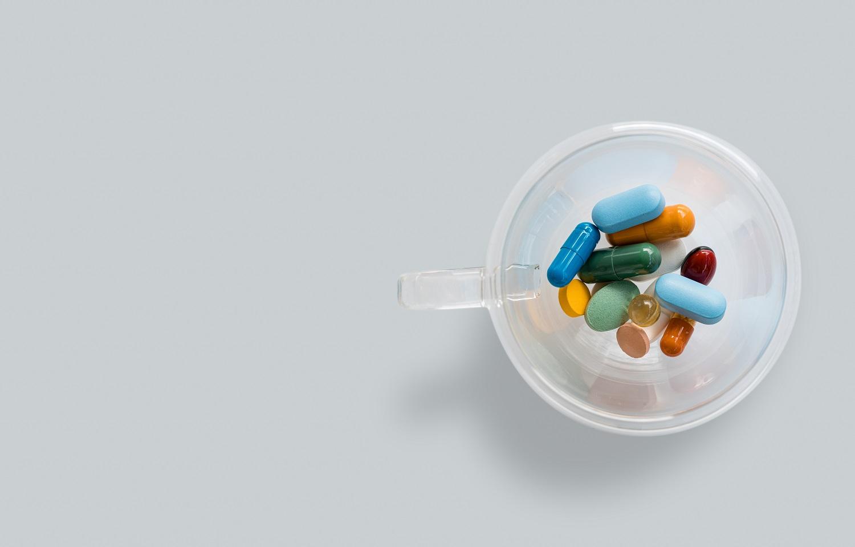 vaistai nuo rankos skausmo mezgimo su artritu pirštų