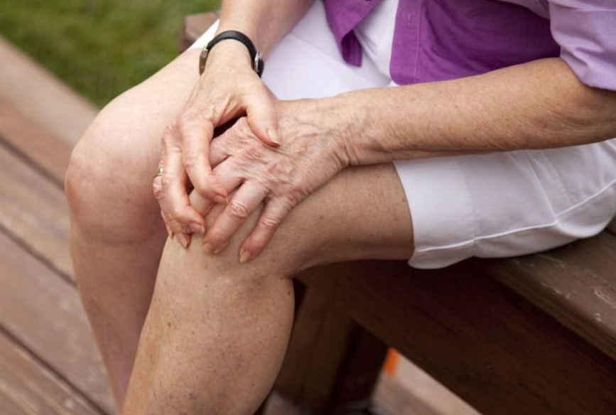 pašalinti sąnarių patinimas artemisia pagal bendrą ligos
