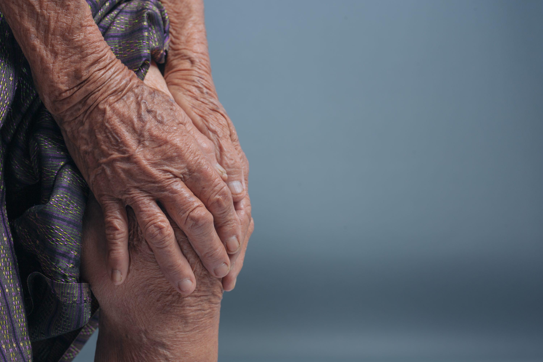 kaip pašalinti stiprų skausmą peties sąnario gydymo artrozilen tepalas sąnarių