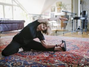 skausmo priežastis raumenų ir sąnarių bet kuriuo judėjimas skausmas alkūnės sąnario ir pirštų tirpimas