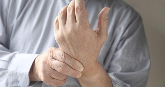artritu sąnarių iš tepalo rankų pirštais