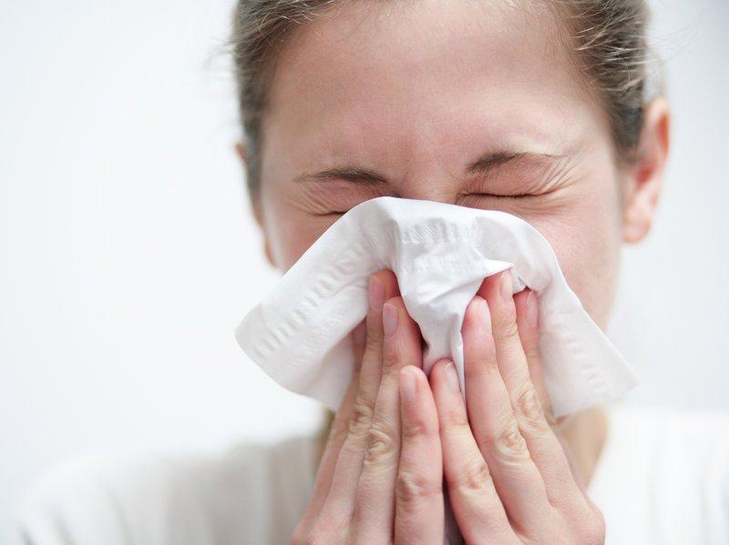 alergijos edema sąnarių dėmių skausmas