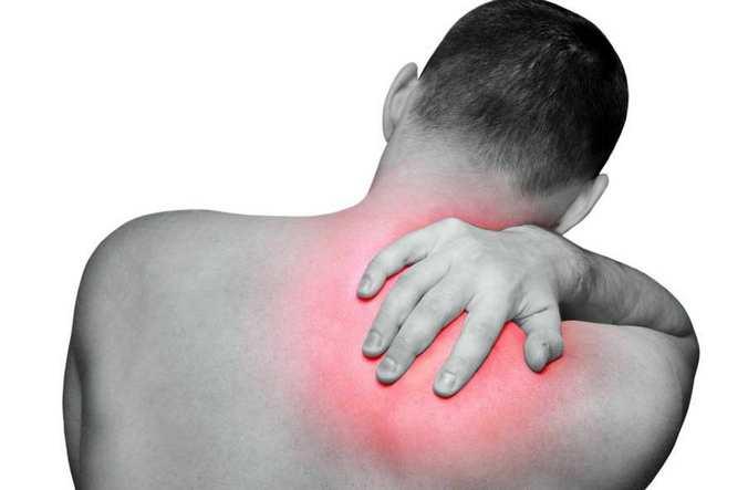 mazi iš skausmo pečių sąnarių