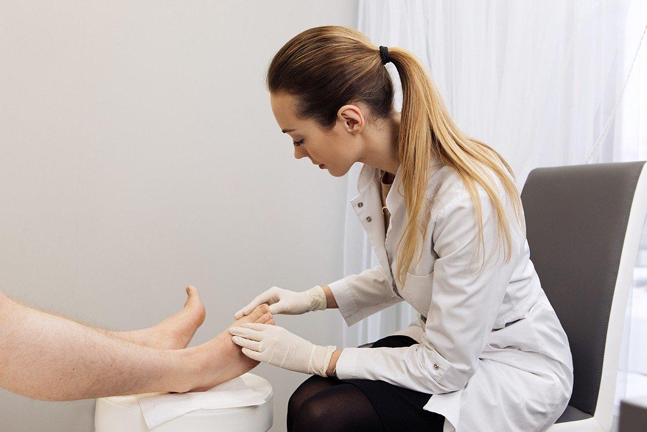 kaip atsikratyti artrito pirštų rankas kaip padėti į peties sąnario skausmo