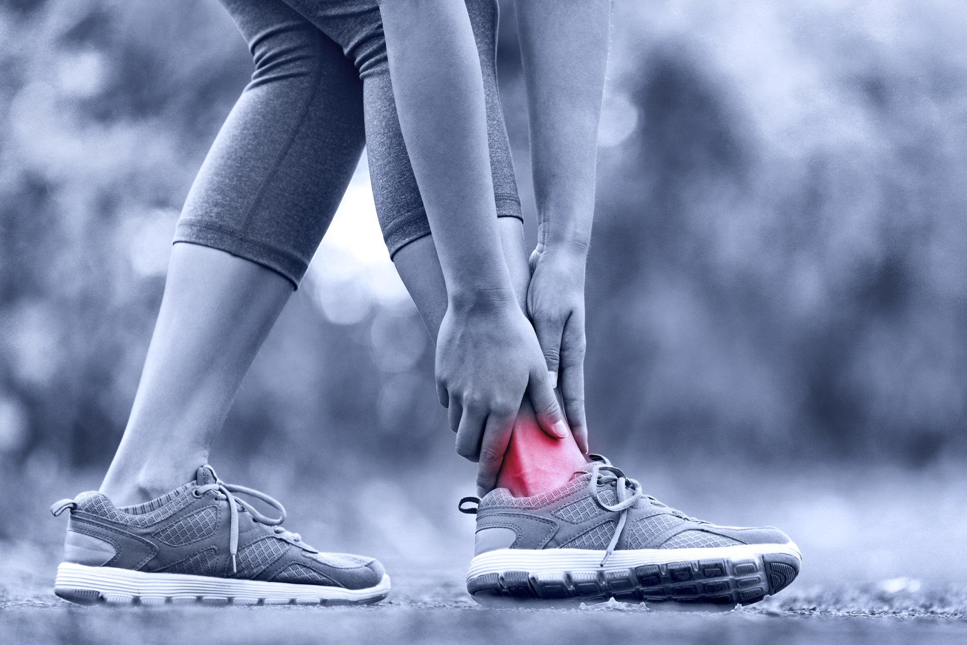 gydymas traumų šepetėlio sąnarių swollen painful joints in hands