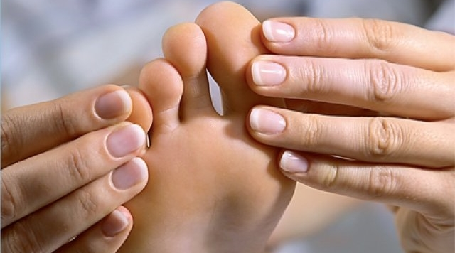 tūkstantmečio gydymas sąnarių skausmas pirštų falangų sąnarių rankose